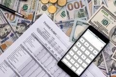 Spisuje osobistego budżet 2017, pieniądze i kalkulatora, Obrazy Stock