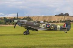Spitfire в авиапорте стоковые фотографии rf