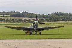 Spitfire в аэропорте стоковая фотография