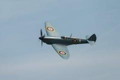 Spitfire en vol Photographie stock