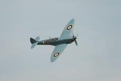 Spitfire en vol Photographie stock libre de droits