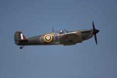 Spitfire en vuelo Imágenes de archivo libres de regalías