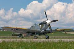 Spitfire Mk di Supermarine Aereo da caccia D-FEUR della seconda guerra mondiale 8 immagini stock libere da diritti