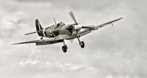 Free Spitfire Vb Royalty Free Stock Photo - 34727025