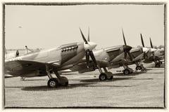 Spitfires σε μια γραμμή στο έδαφος Στοκ φωτογραφίες με δικαίωμα ελεύθερης χρήσης
