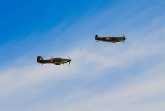 2 Spitfires летая в образование Стоковое Изображение