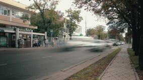 Spitsuur in de stad van Cork Russia, Krasnodar 29 september 2018 stock video