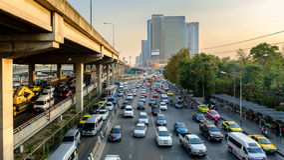 Spitsuur in het Centrum van Bangkok Stock Foto's