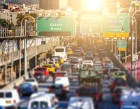 Spitsuuropstopping van auto's, bussen, taxis en vrachtwagens royalty-vrije stock afbeelding