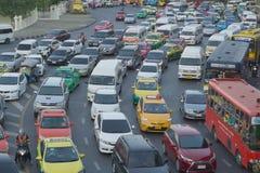Spitsuurverkeer op 9 April 2016 in Bangkok Thailand Stock Afbeeldingen
