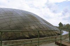 Spitze der Speicheranlage und Produktion des Biogases Stockbilder