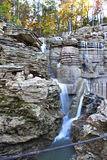 Spitze des Felsenwasserfalls Lizenzfreie Stockfotografie