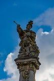 Spitze des Rokokos Brunnens von St George, Trier, Deutschland Lizenzfreies Stockfoto