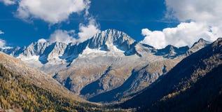 Spitze des Sorgfalt-Altes - Adamello Trento Italien Stockfotos
