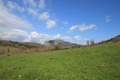 Spitze von Bugarach im Corbieres, Frankreich lizenzfreie stockfotografie