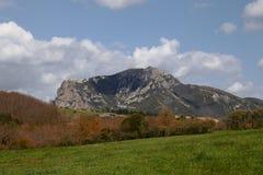 Spitze von Bugarach im Corbieres, Frankreich stockfoto