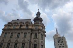 Spitze von Marksteingebäuden in im Stadtzentrum gelegenem Bukarest Lizenzfreies Stockbild