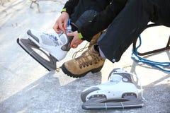 Spitzee von Eishockey binden, läuft Eisbahn eis Lizenzfreies Stockfoto