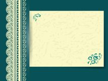Spitzefeld mit verziertem Blumenpapier Lizenzfreies Stockfoto