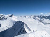 """Spitzenösterreicher Berg †Wolkenmeer des frühen Morgens der Winterzeit """" Lizenzfreie Stockfotos"""