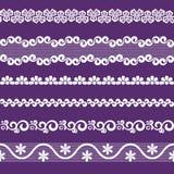 Spitzen- Band-, weiße und Purpurrotefarbe des nahtlosen Musters Stockfotografie