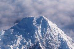 Spitzen-Himalaja-Berg, Ansicht von Yeti Airlines-Flugzeug lizenzfreies stockbild
