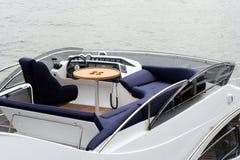 Spitzenplattform in der Yacht Stockfotos