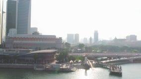 Spitzentouristenattraktionen in Singapur um Marina Bay schuß Draufsicht des Flusses in Singapur stockbild