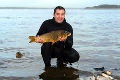 spjut för scuba för man för carpdykarefisk Fotografering för Bildbyråer