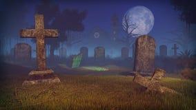 Spöklik kyrkogård med den nytt grävde graven Royaltyfri Bild