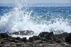 Splashing sea wave Royalty Free Stock Photos