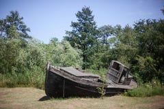 Splatająca drewniana łódź Obraz Stock