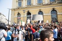 Splatający uchodźcy protestują przed Keleti dworca d Obraz Stock