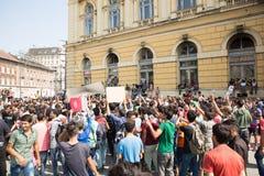 Splatający uchodźcy protestują przed Keleti dworca d Zdjęcie Royalty Free