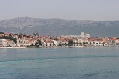 Spleet, Kroatië (verdeel mening van de veerboot) Stock Foto