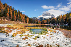 Splendid sunny scene on Antorno lake with Tre Cime di Lavaredo Stock Photography