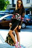 splendoru elegancki model w modnisia lecie odziewa Zdjęcia Stock