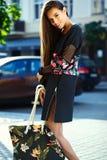 splendoru elegancki model w modnisia lecie odziewa Obrazy Royalty Free