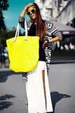 splendoru elegancki model w modnisia lecie odziewa Obraz Stock