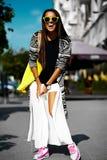 splendoru elegancki model w modnisia lecie odziewa Zdjęcie Stock
