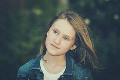 Splendoru portret piękna dziewczyna zdjęcie royalty free