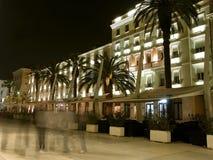 Split e caminhantes na noite imagem de stock