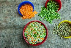 Split peas and lentils spilled Royalty Free Stock Photos