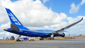Splitterny kolfiber sammansatta Boeing 787 Dreamliner på skärm på Singapore Airshow 2012 Royaltyfria Foton