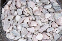Splitterungen und Kies des Marmors und des Sandsteins gefärbt Stockfotografie