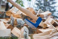 Splitting wood Royalty Free Stock Photos
