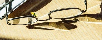 Splittra-provexemplar solglasögon Royaltyfri Bild