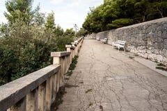 Splittring Kroatien, parkerar Marjan promenad royaltyfri fotografi