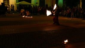 Społeczeństwo ogienia przedstawienie organizujący w Timisoara, Rumunia 8 zbiory wideo