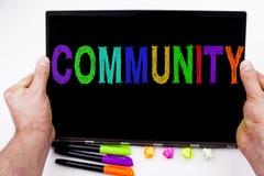 Społeczność tekst pisać na pastylce, komputer w biurze z markierem, pióro, materiały Biznesowy pojęcie dla więzi białego bac Zdjęcie Royalty Free
